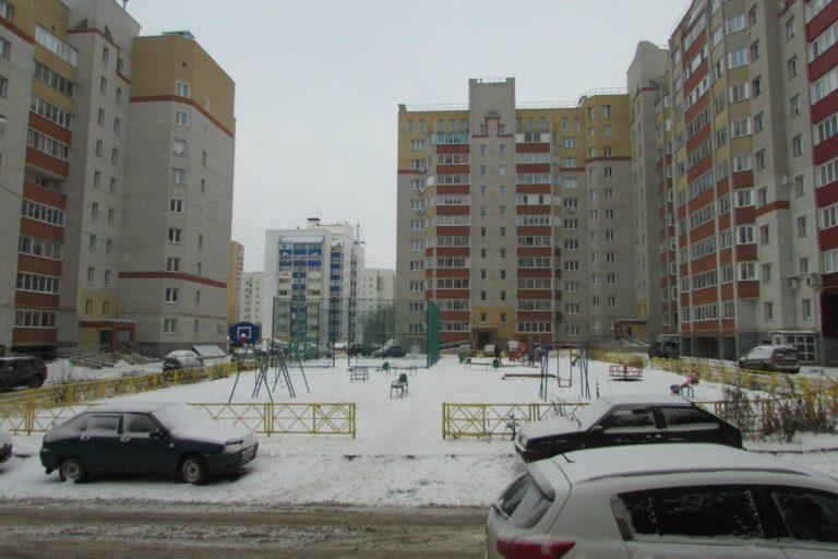 Киров, ул. Стахановская, д. 16/1